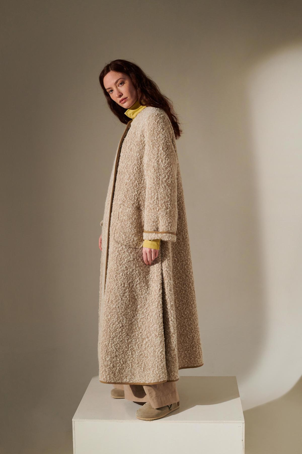 style BURROTAF jacket  style GLASSA65POI skirt