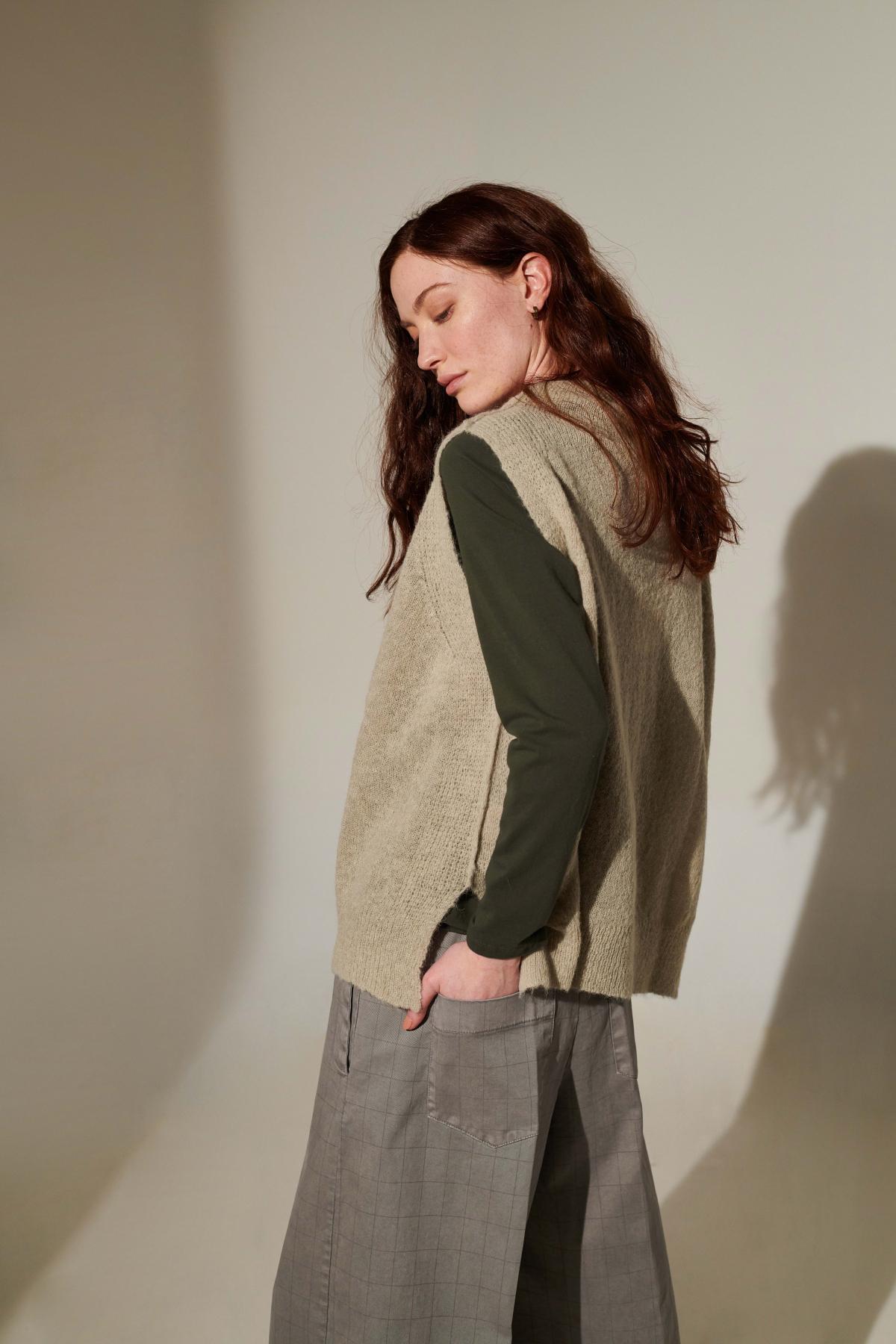 style BONETINVY jacket  style TRECCIAJAC tshirt